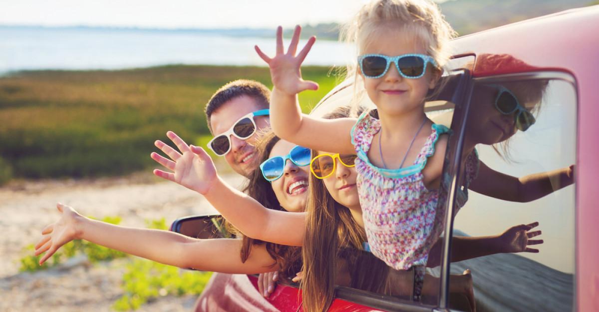 12 idei de activități în mașină cu copiii