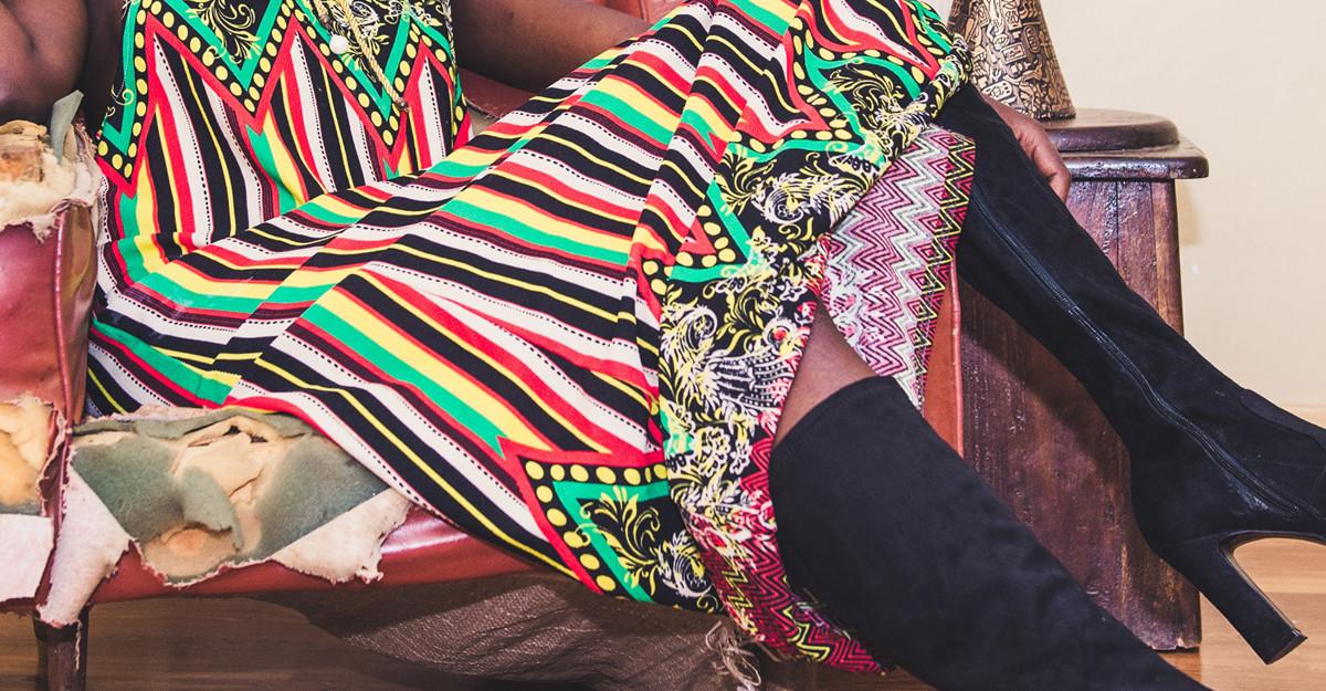 Cum porți rochiile Hippie cu motive etnice în sezonul rece