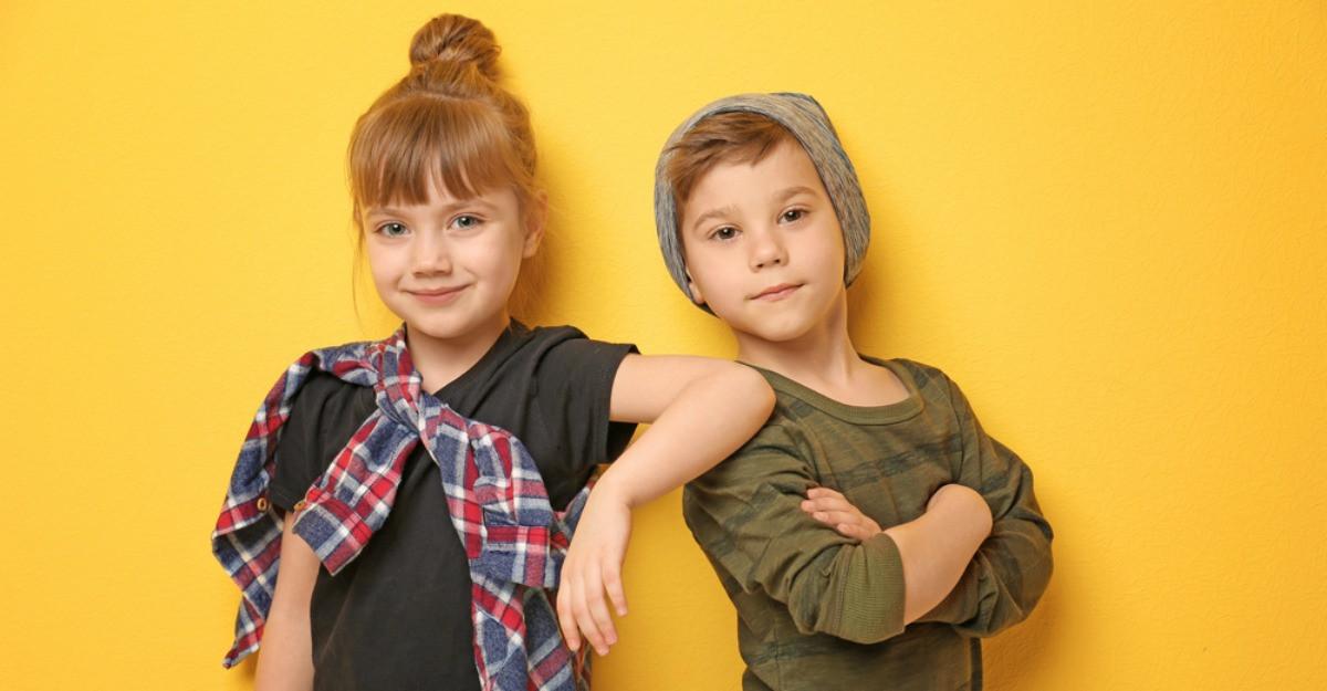 Reinnoieste-i garderoba micutului tau: haine moderne pentru copii la reducere
