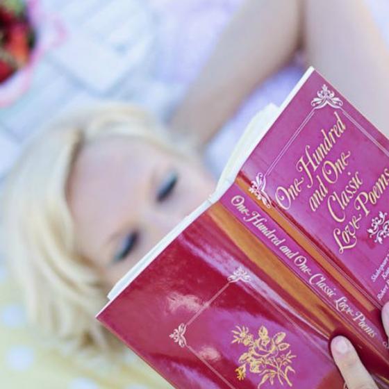 8 carti de dragoste care trebuie citite de fiecare femeie