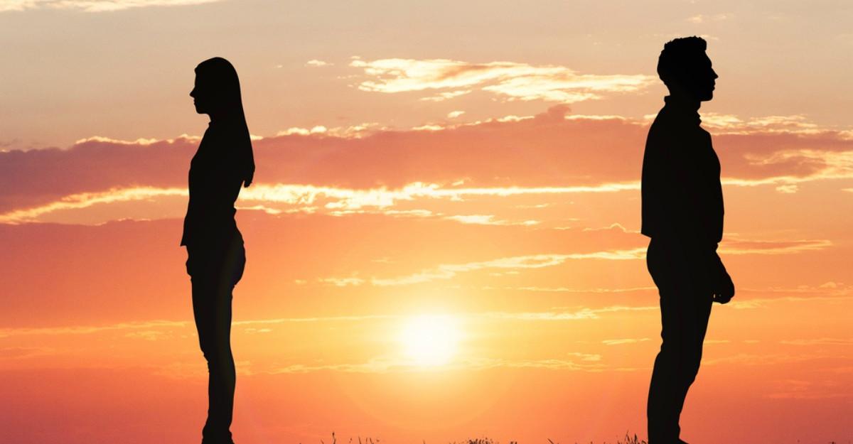 Te temi ca esti intr-o relatie toxica? Iata cele 5 semnale de alarma