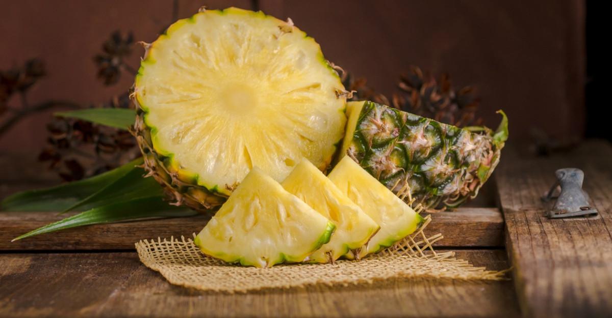 Cum să mănânci un ananas întreg fără probleme. Sfaturi pentru a scăpa de aciditatea lui