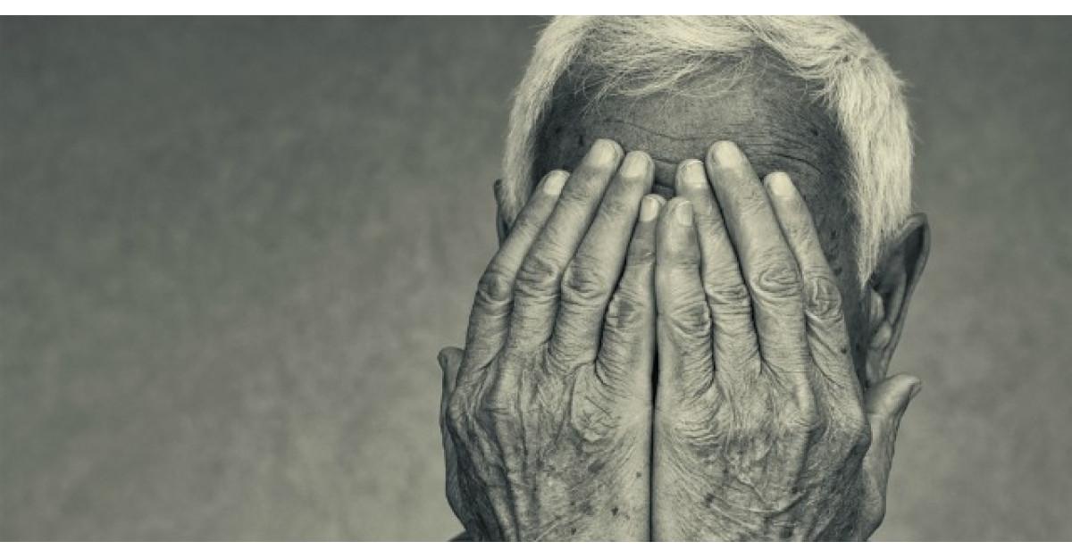 Un batranel de 75 de ani era in fata supermarketului. O adevarata lectie de viata