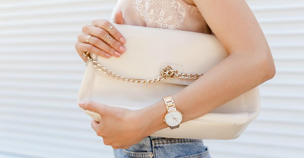 6 lucruri pe care merită să le ții în geantă pentru situații neprevăzute