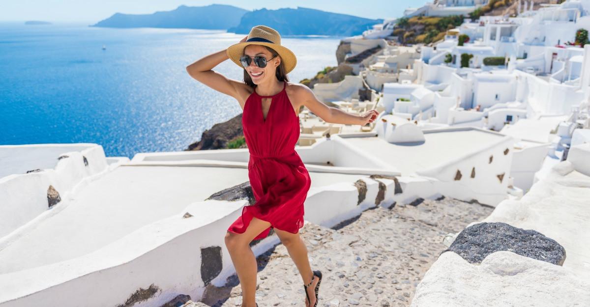 4 outfit-uri pentru vacanta in Grecia