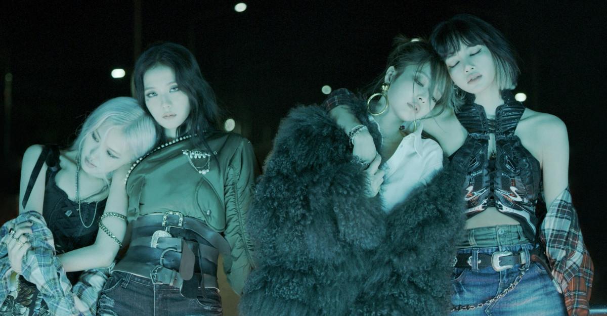 BLACKPINK lanseaza albumul The Album