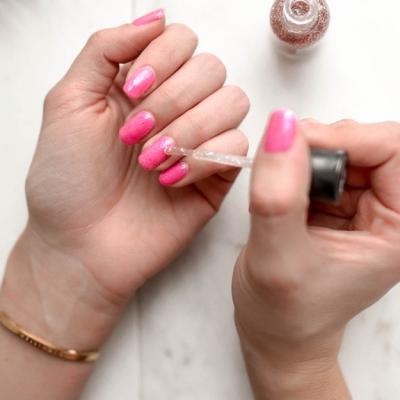 Manichiură impecabilă: Ai grijă de unghiile tale cu aceste 3 produse accesibile