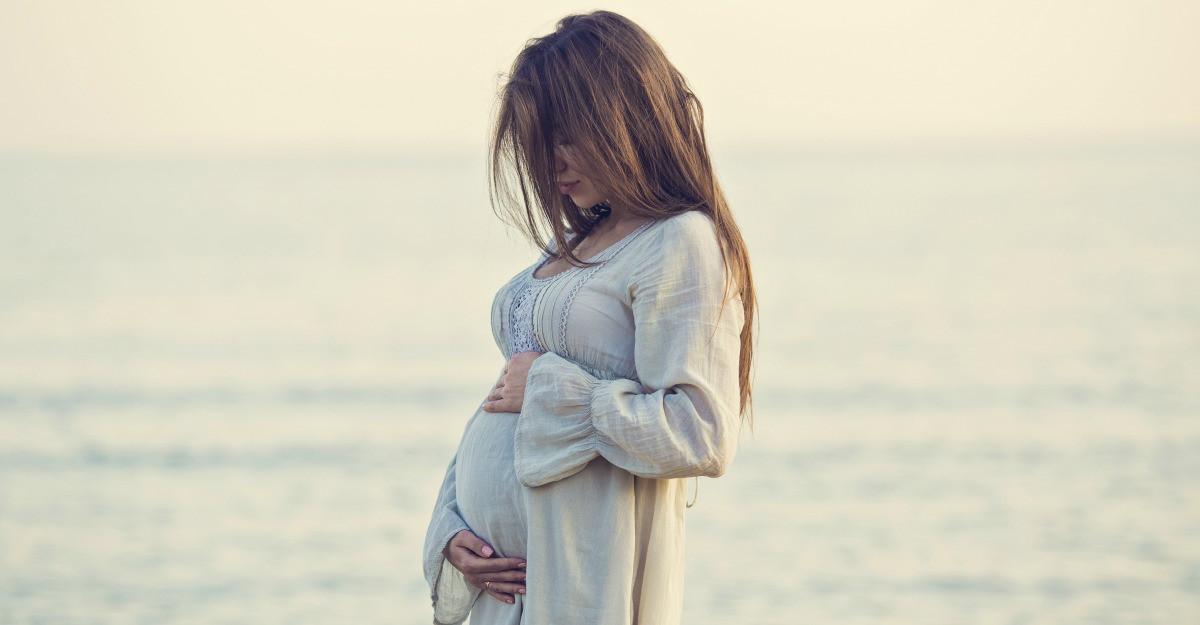 Fuste pentru gravide usor de combinat in multe tinute