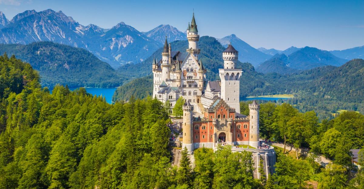 Iesite din pagini de basm: Cele mai fascinante 16 castele din lume