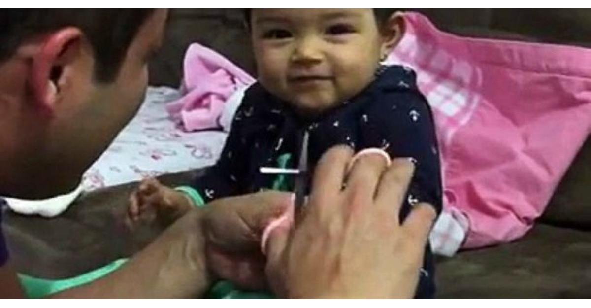 Tatal vrea sa ii taie unghiile fetitei. Reactia micutei? Am ras cu lacrimi
