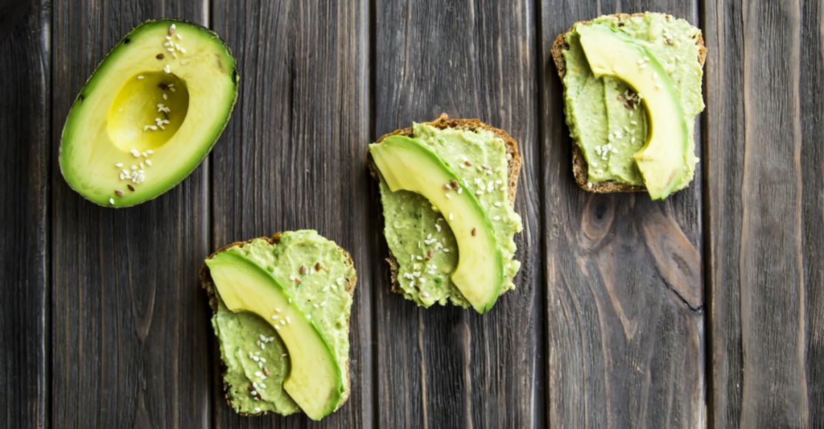 Cum sa tii kilogramele la distanta cu dieta cu avocado?