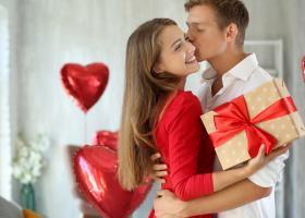 Ziua Indragostitilor: 3 cadouri pe le poti oferi partenerei tale