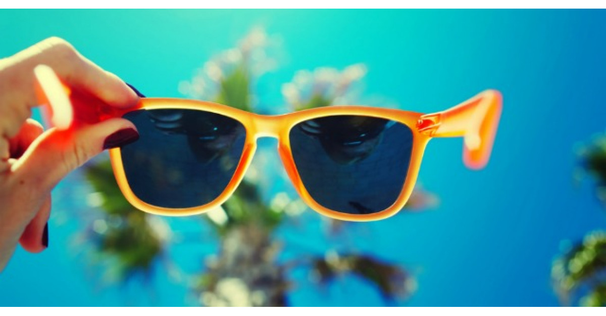 Ochelarii de soare ne pot afecta vederea. De ce trebuie sa tinem cont