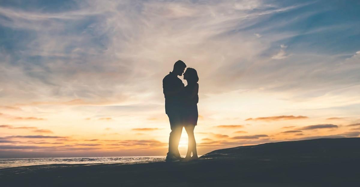 4 pasi pentru o relatie fericita pe termen lung