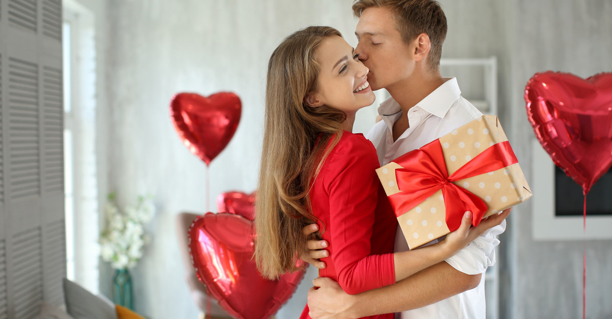 Ziua Îndrăgostiților: 3 cadouri pe le poți oferi partenerei tale