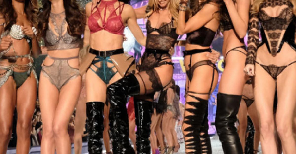 Vei fi vrajita de show-ul Victoria's Secret 2016