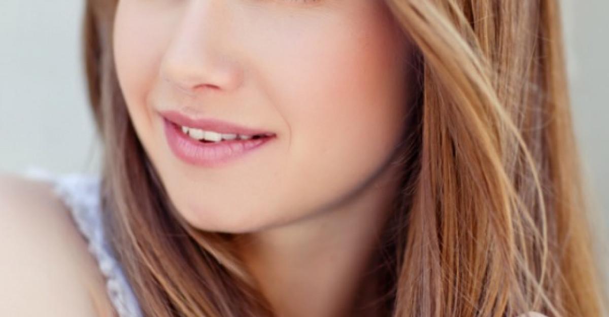 6 produse de machiaj care fac minuni pentru parul tau