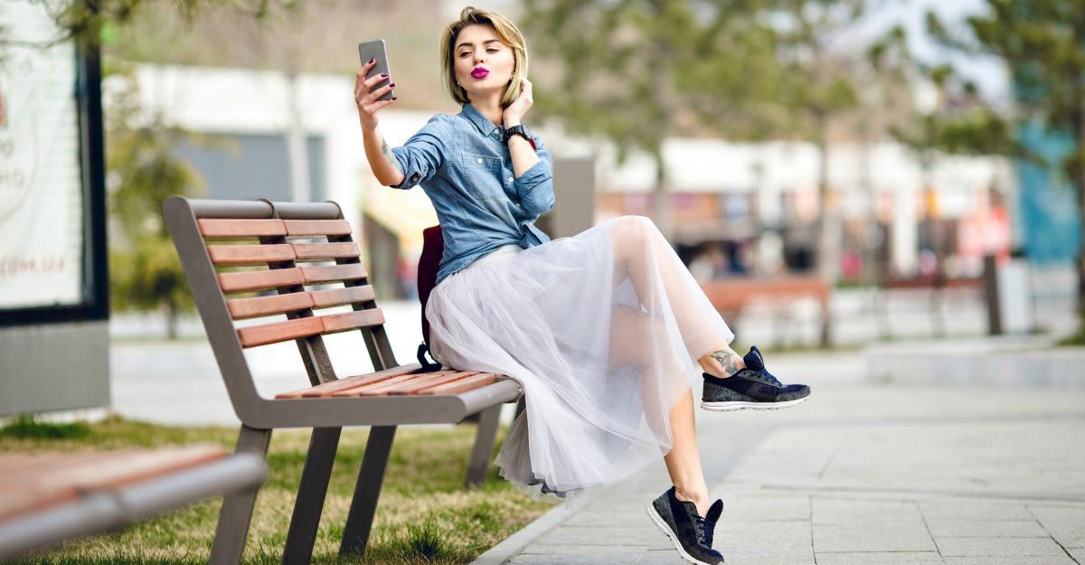 Haine cu transparente - cel mai versatil trend de vara
