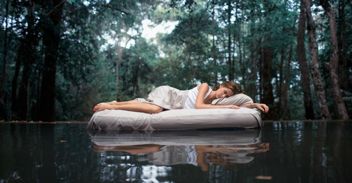 Spune-mi în ce poziție dormi să îți spun ce visezi