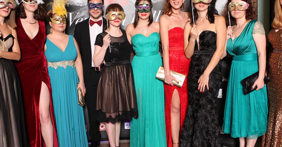 Galerie foto: Cu sau fara masca, iata ce au purtat vedetele la Balul Venetian!
