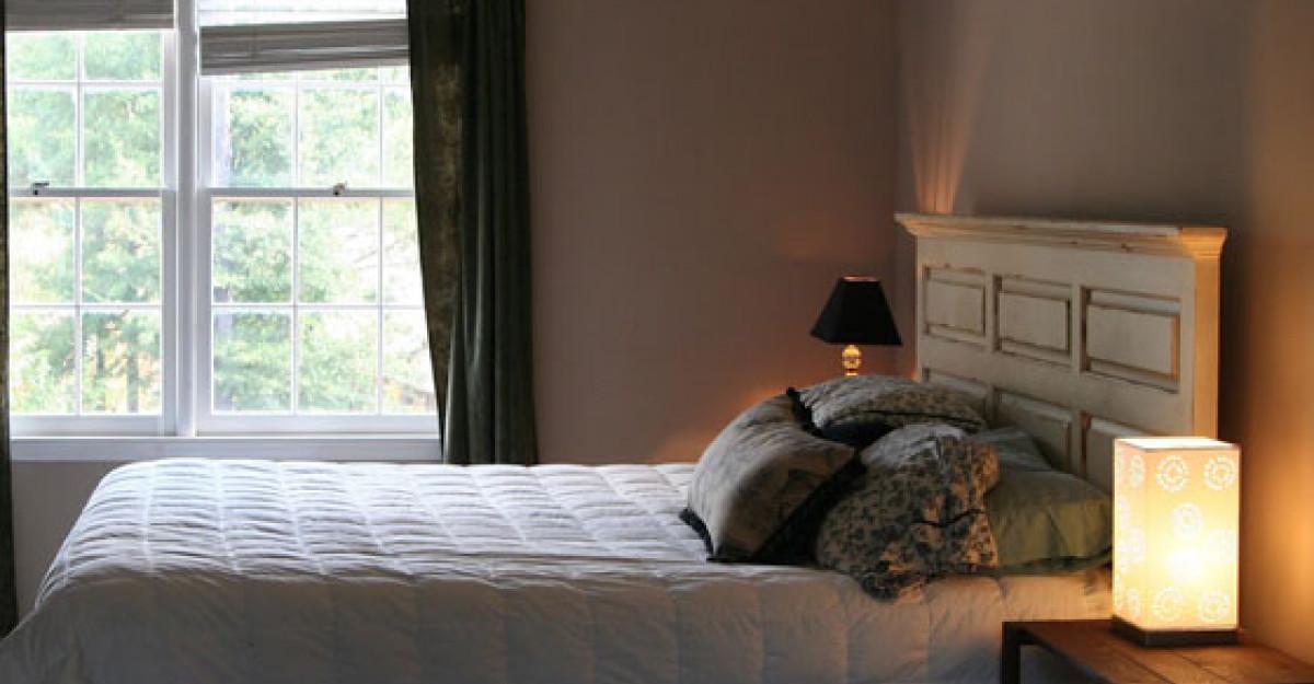 Inainte si dupa: transformarea unui dormitor, cu putini bani