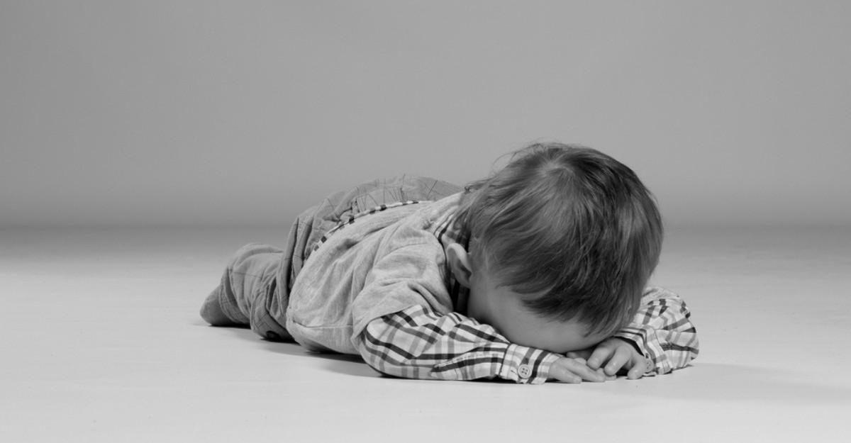 5 Pași de care trebuie să ții cont în momentul în care copilul tău se supără