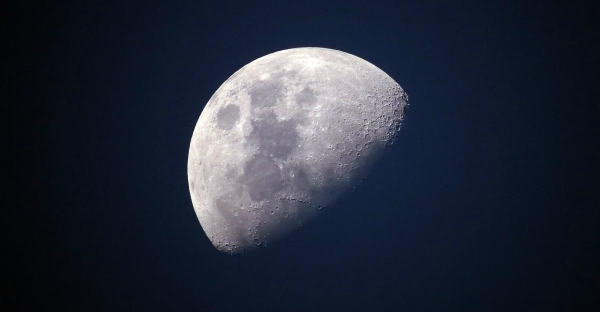 Lucruri pe care nu le știai despre Lună