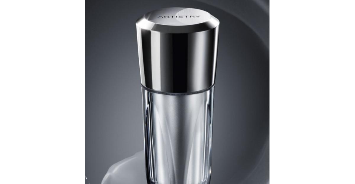 Crema pentru ochi ARTISTRY Creme LuXury, un nou produs de lux exclusiv de la Amway