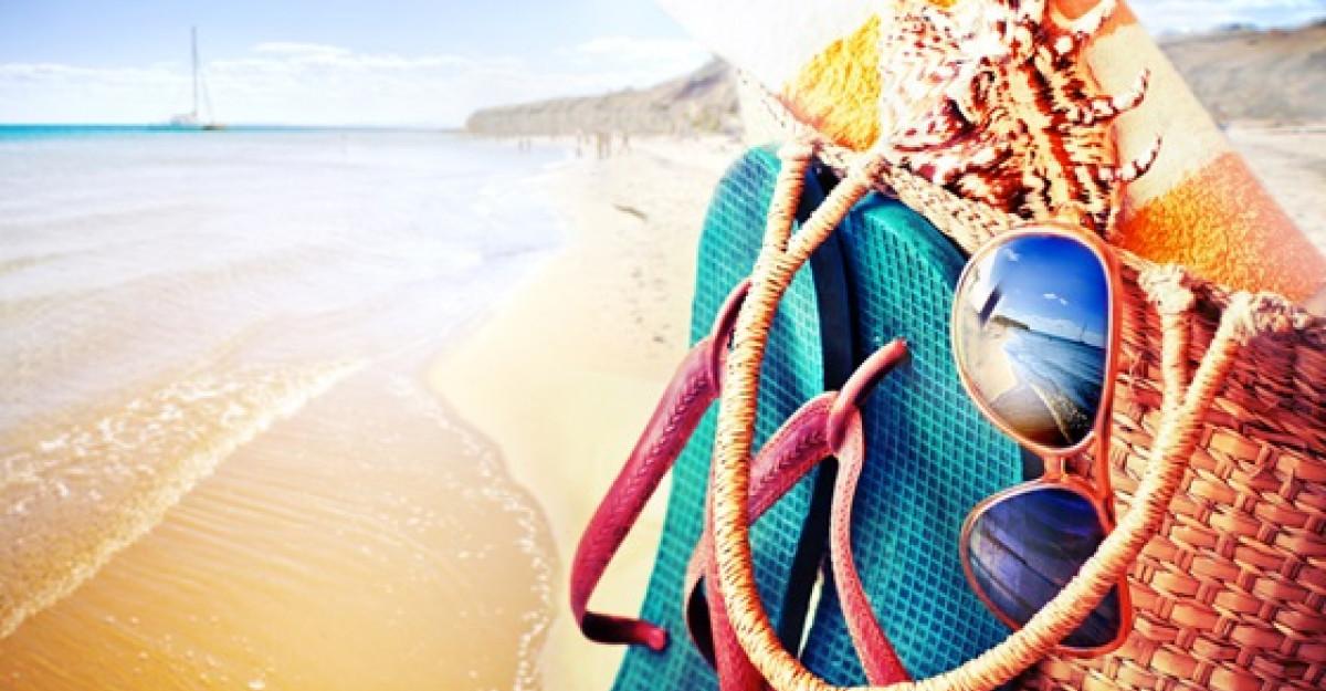 Ce nu trebuie sa iti lipseasca din geanta de plaja!