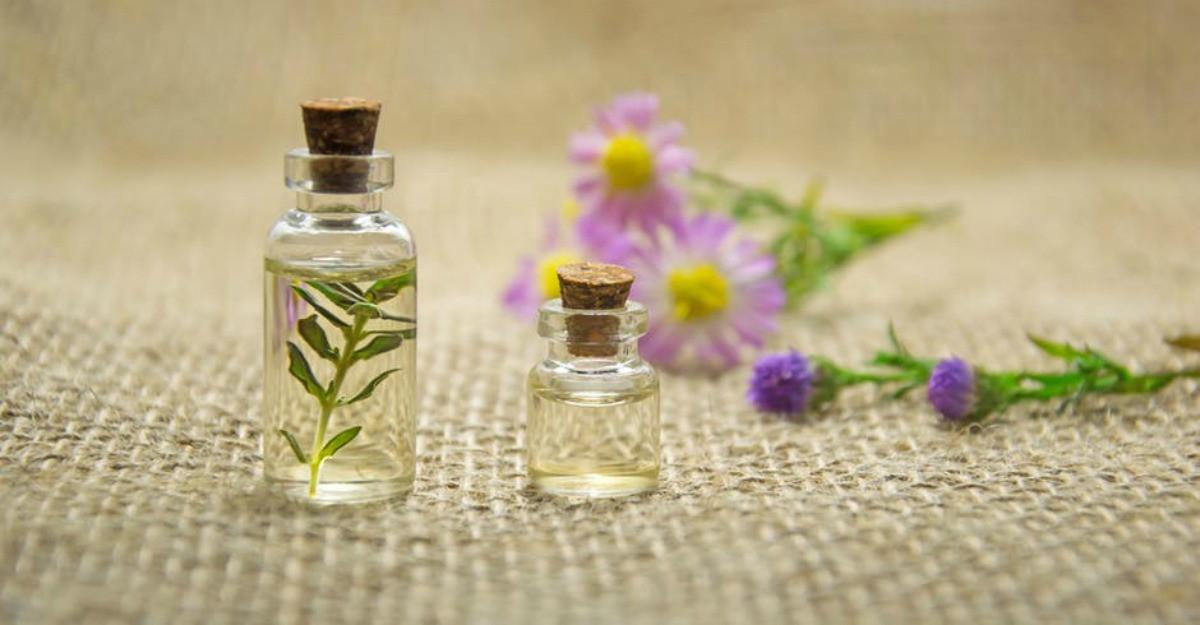 5 uleiuri esenţiale folosite pentru uz terapeutic