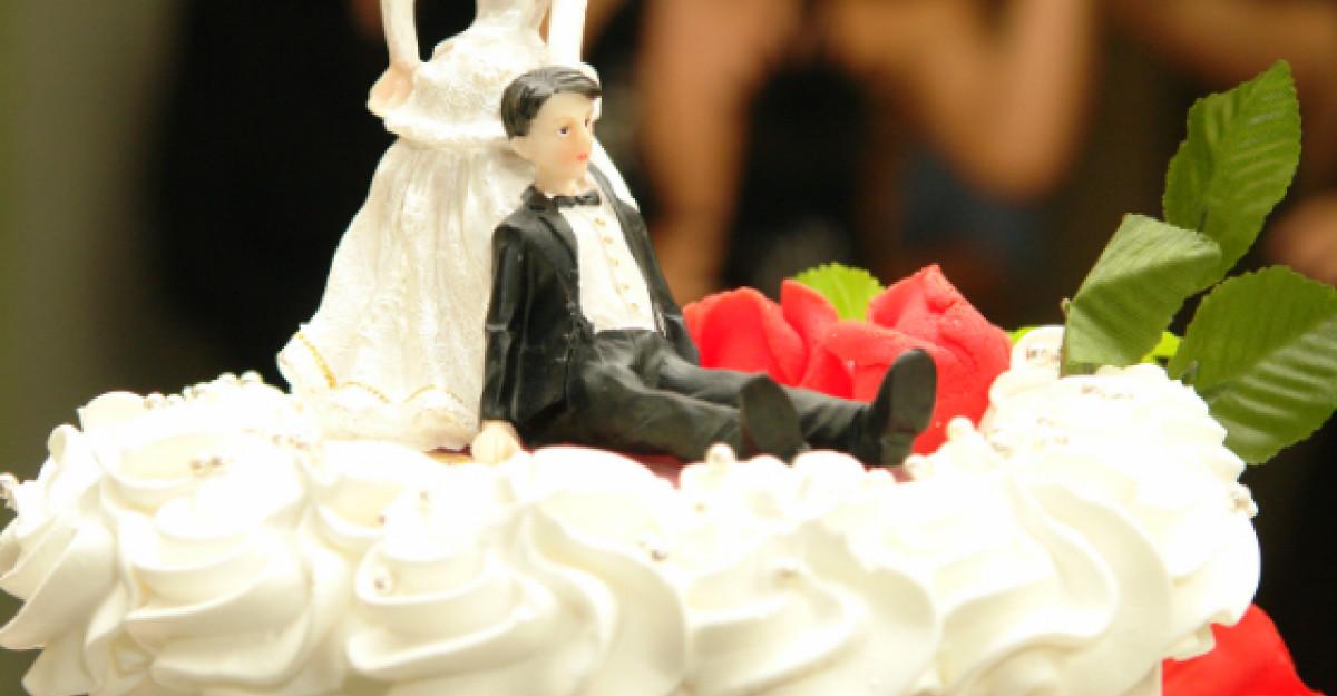 7+1 torturi de nunta super-caraghioase