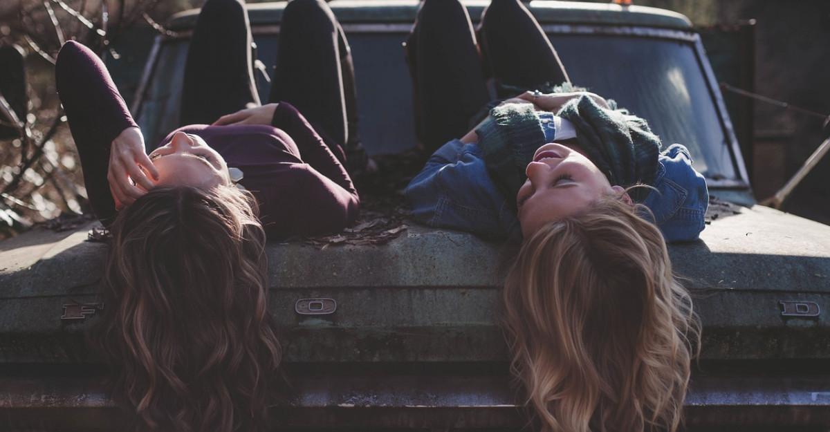 5 tipuri de prieteni pe care să îi ții aproape