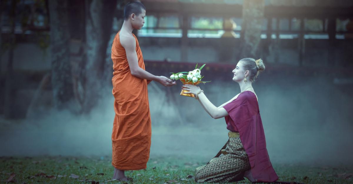 9 citate pline de iubire de la Thich Nhat Hanh