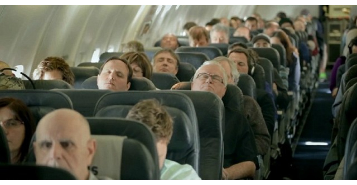 Pasagerii au adormit in timpul zborului. Cand s-au trezit, au avut parte de SURPRIZA vietii lor