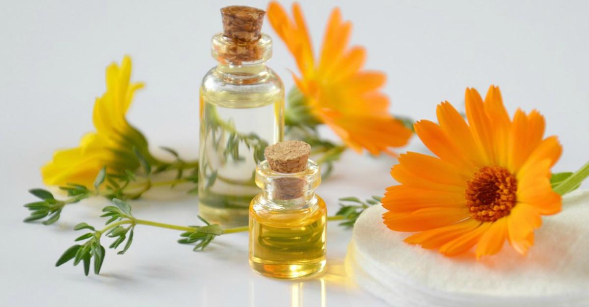 9 uleiuri minune hidratante și reparatoare din cap până în picioare