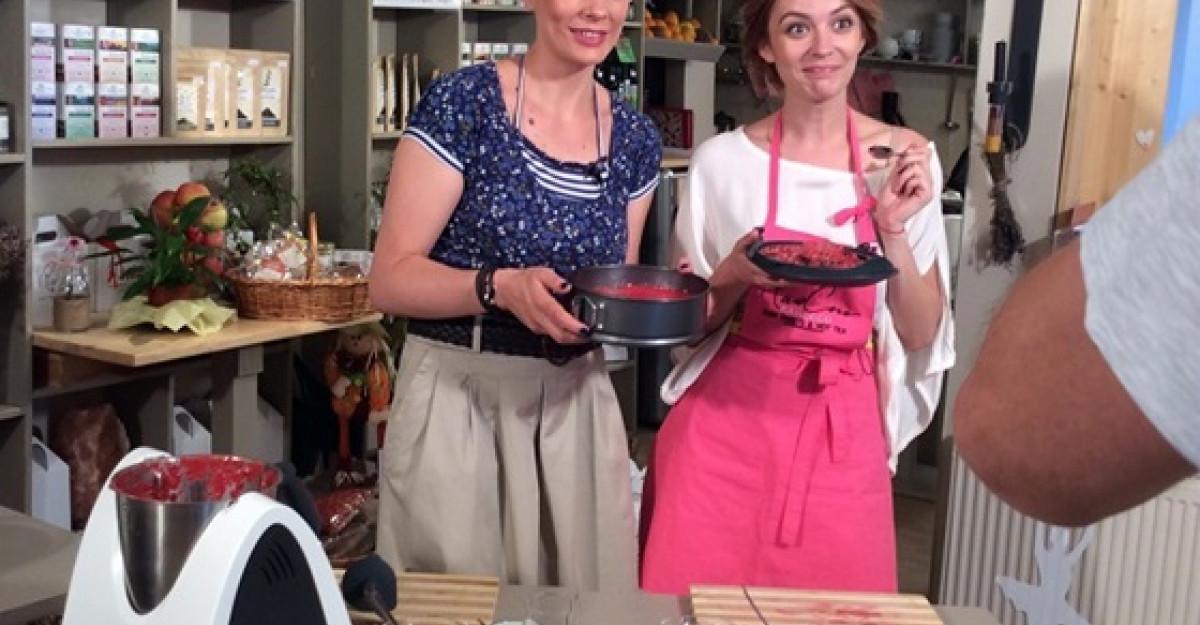 Diana Dumitrescu a invatat sa gateasca cheesecake raw vegan