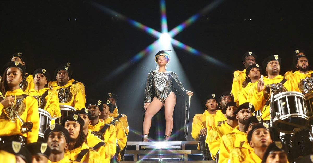 Netflix prezinta Homecoming: Un film de Beyoncé