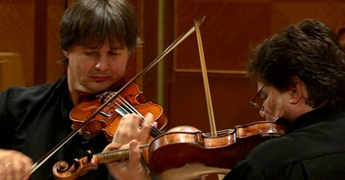 Duel Stradivarius versus Guarneri
