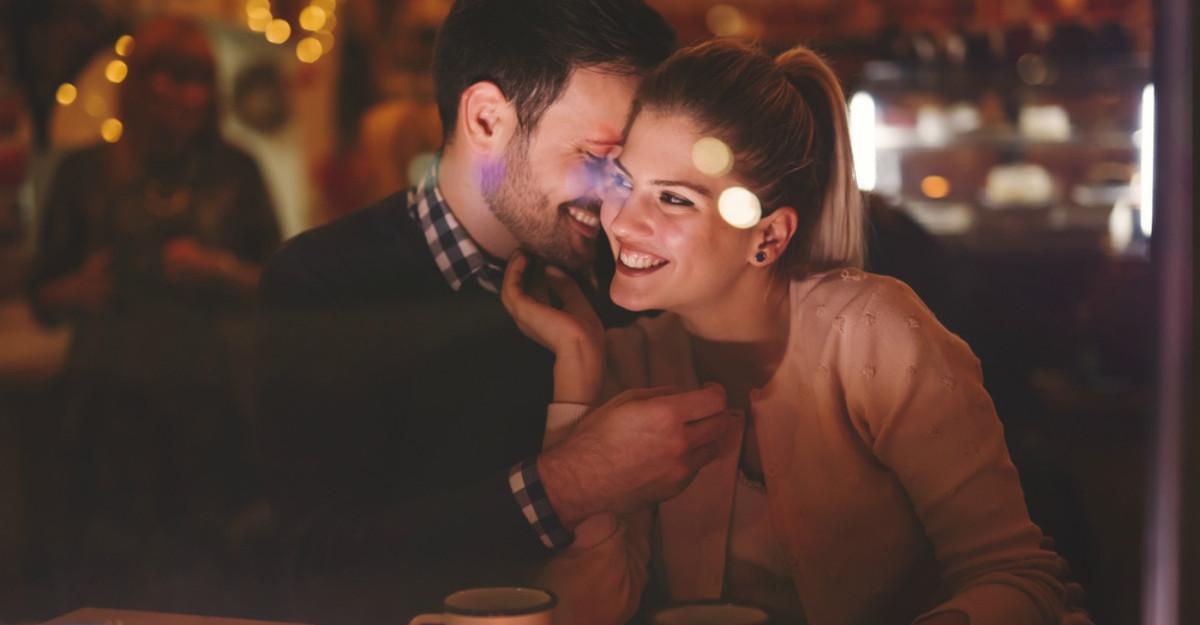 Cele 10 porunci ale flirtului. Cu ce incepi?