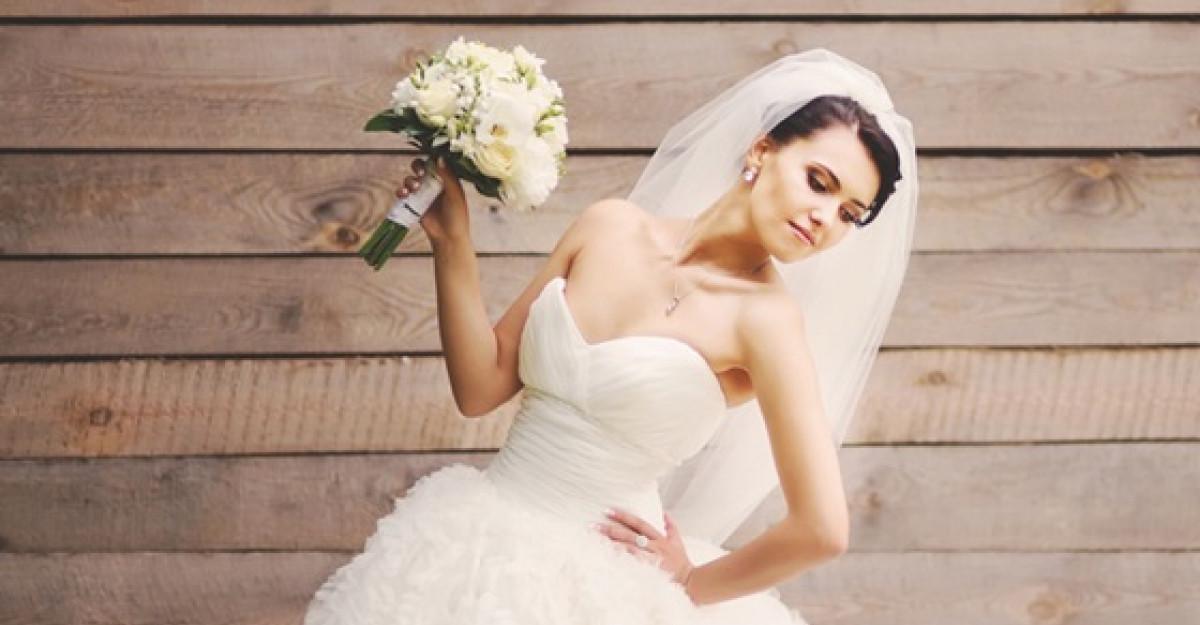 Rochii de mireasa diafane pentru nuntile de vara