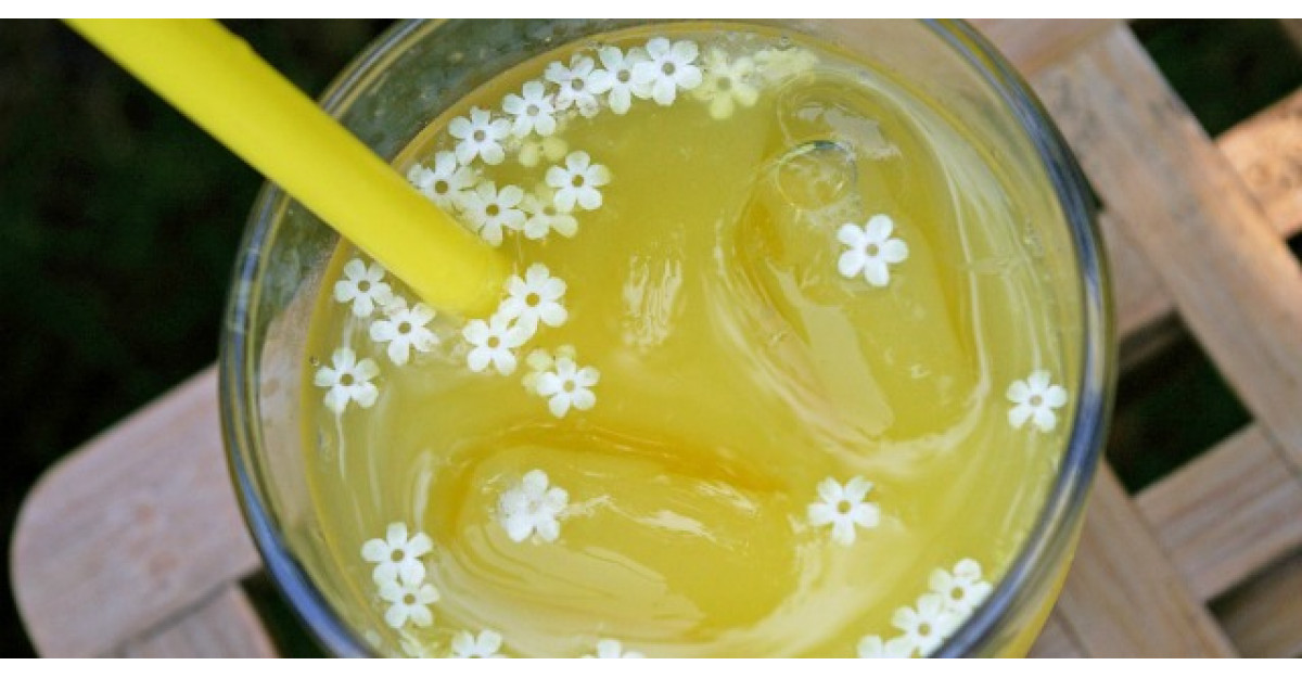 Dieta cu ceai de flori de soc. Efectele se vad imediat