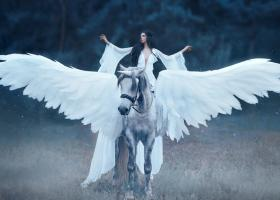 Astrologie: Ce creatura mitologica ti se potriveste in functie de zodie