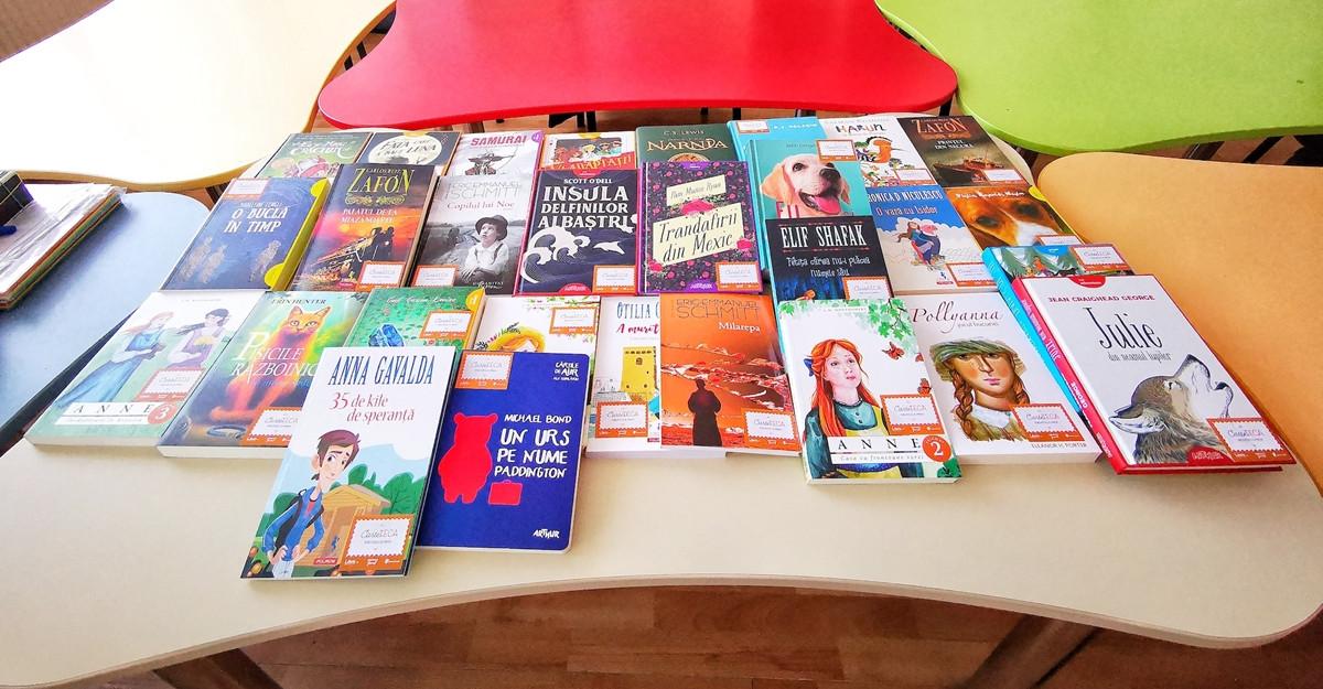 Libris.ro și Salvați Copiii România vor să doteze 350 de școli și licee din România cu biblioteci