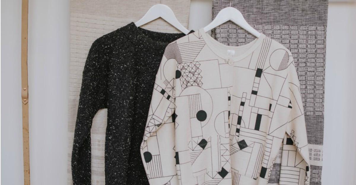 Cum să-ți ordonezi și să-ți organizezi garderoba ca un profesionist cu acești 4 pași simpli!