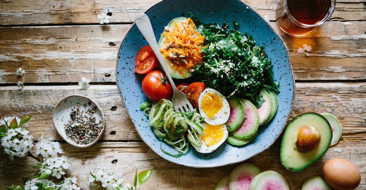Mănânci cât vrei: 10 Alimente care NU îngrașă