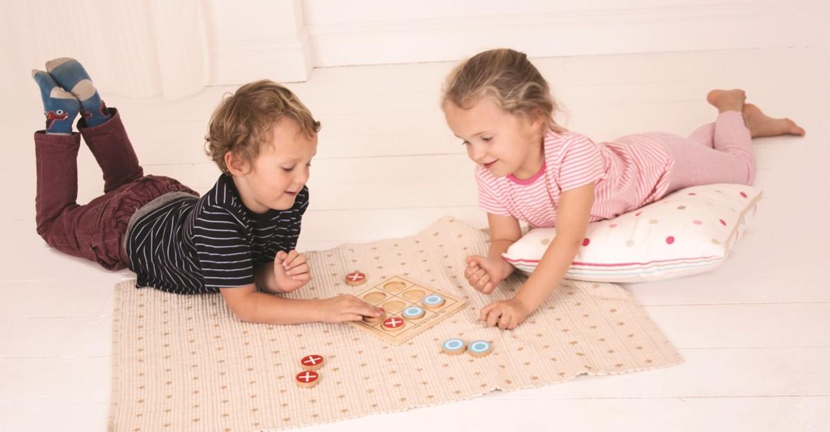 #JocuriImpreuna: Dezvolta imaginatia familiei tale in zilele lungi de iarna