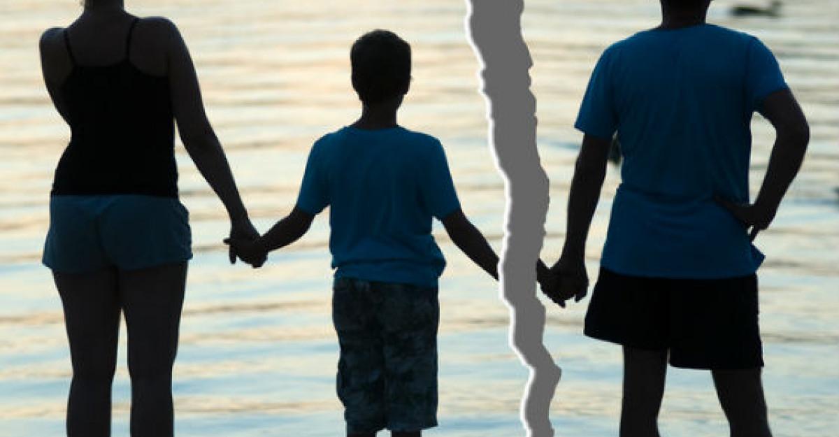 Povestea REALA a copilului dupa divortul parintilor: Eu pe cine aleg?