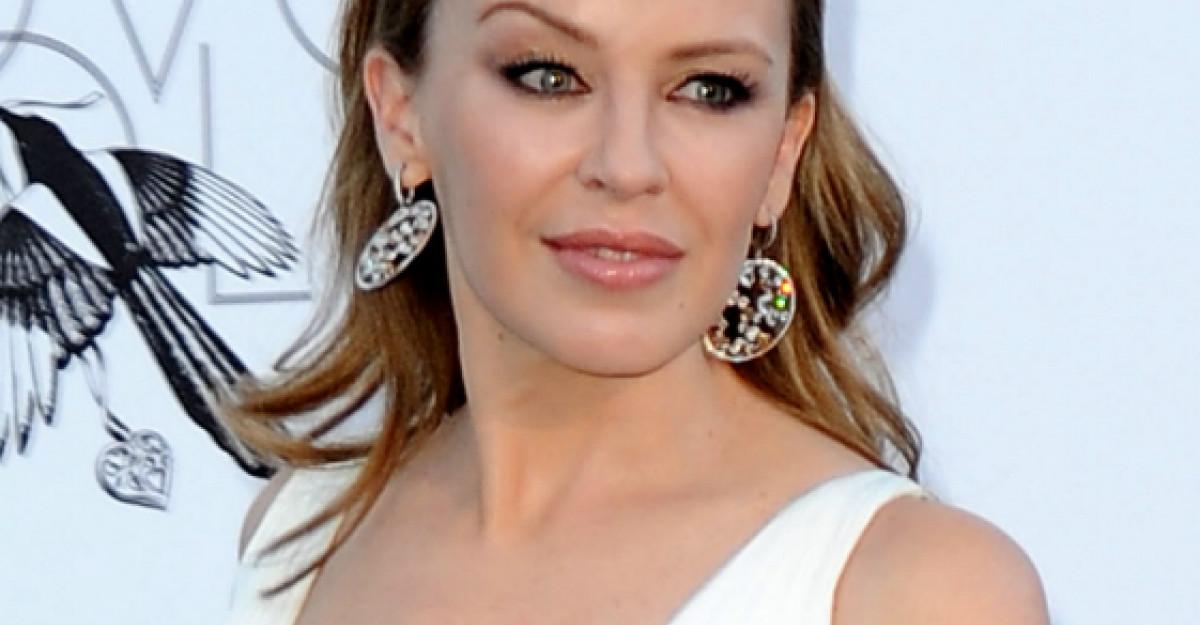 Foto: Rochia care te face sa arati precum un fotomodel! Ia exemplu de la Kylie Minogue