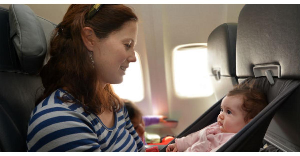 Un barbat a fost asezat in avion langa o mamica si bebelusul ei. Ce a urmat?