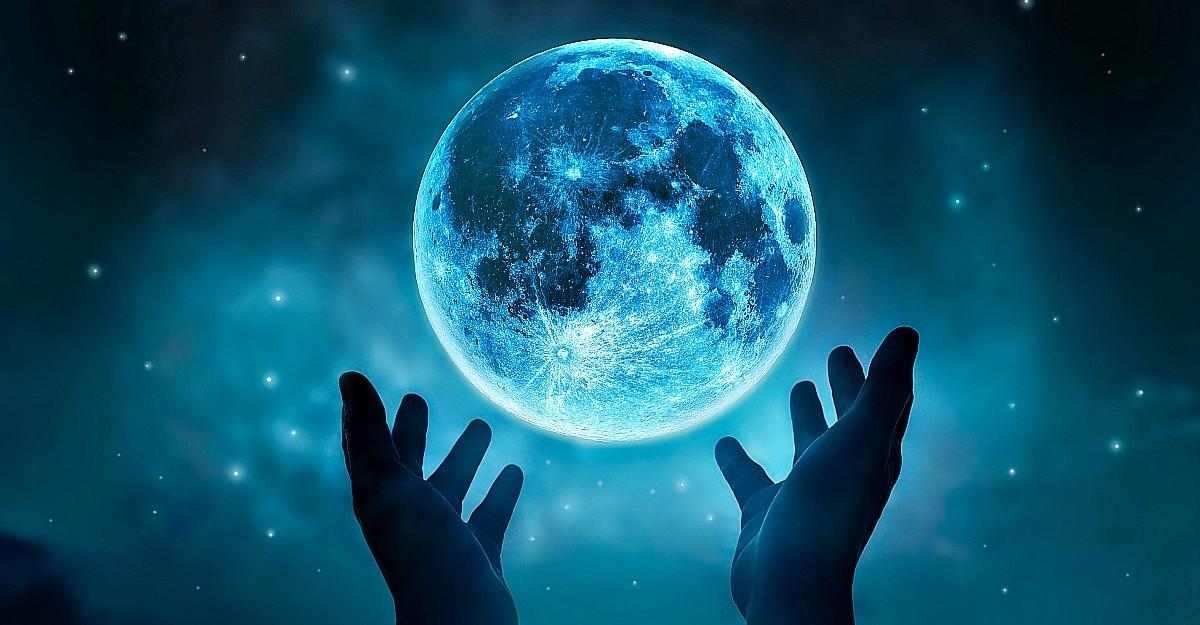 Luna Plină în Vărsător de pe 3 august atinge apogeul energiei cosmice. Provocări și aliniamente intense pentru sufletele noastre